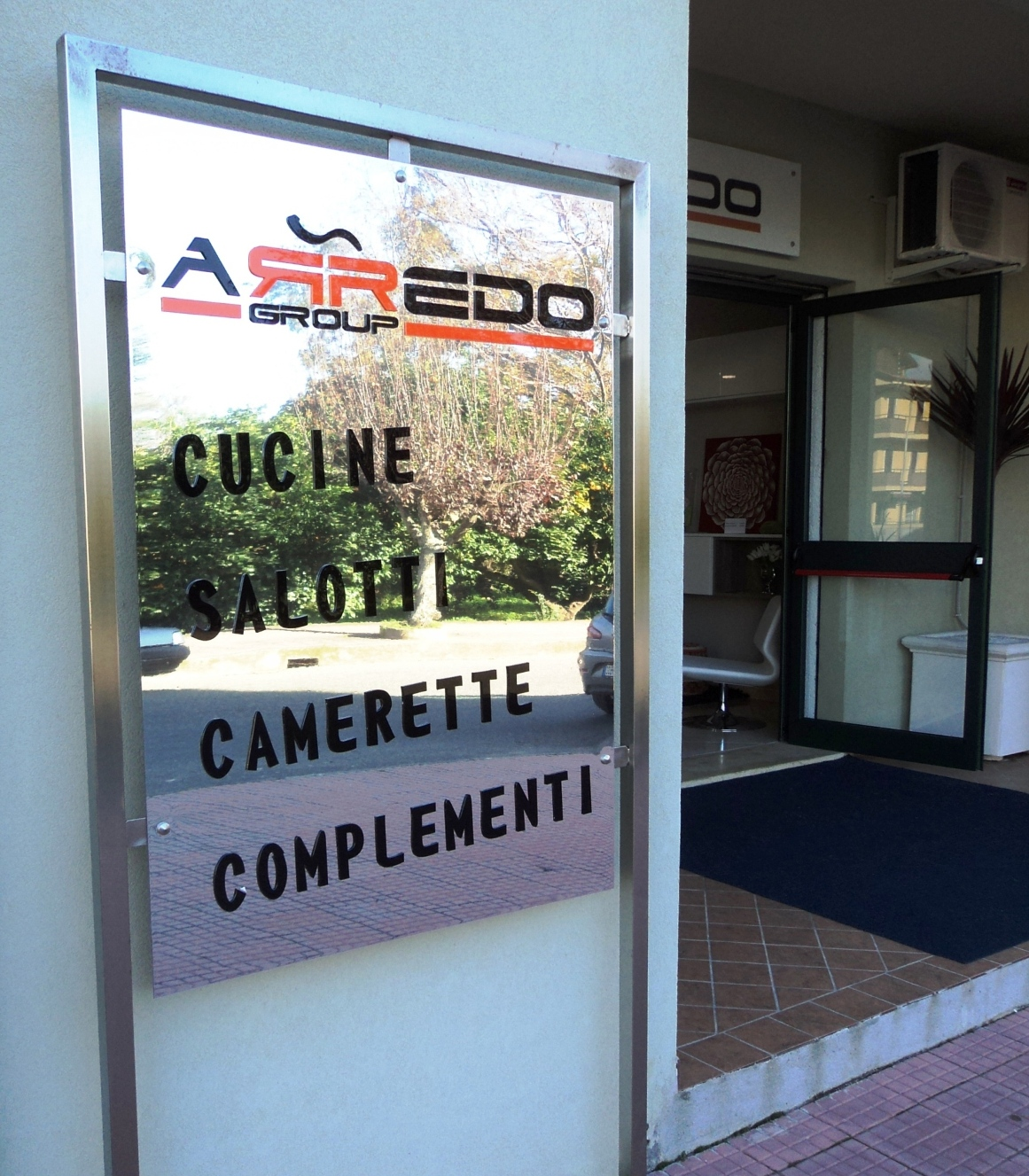 Mobili e arredamenti arredo group acconia di curinga for Arredo group