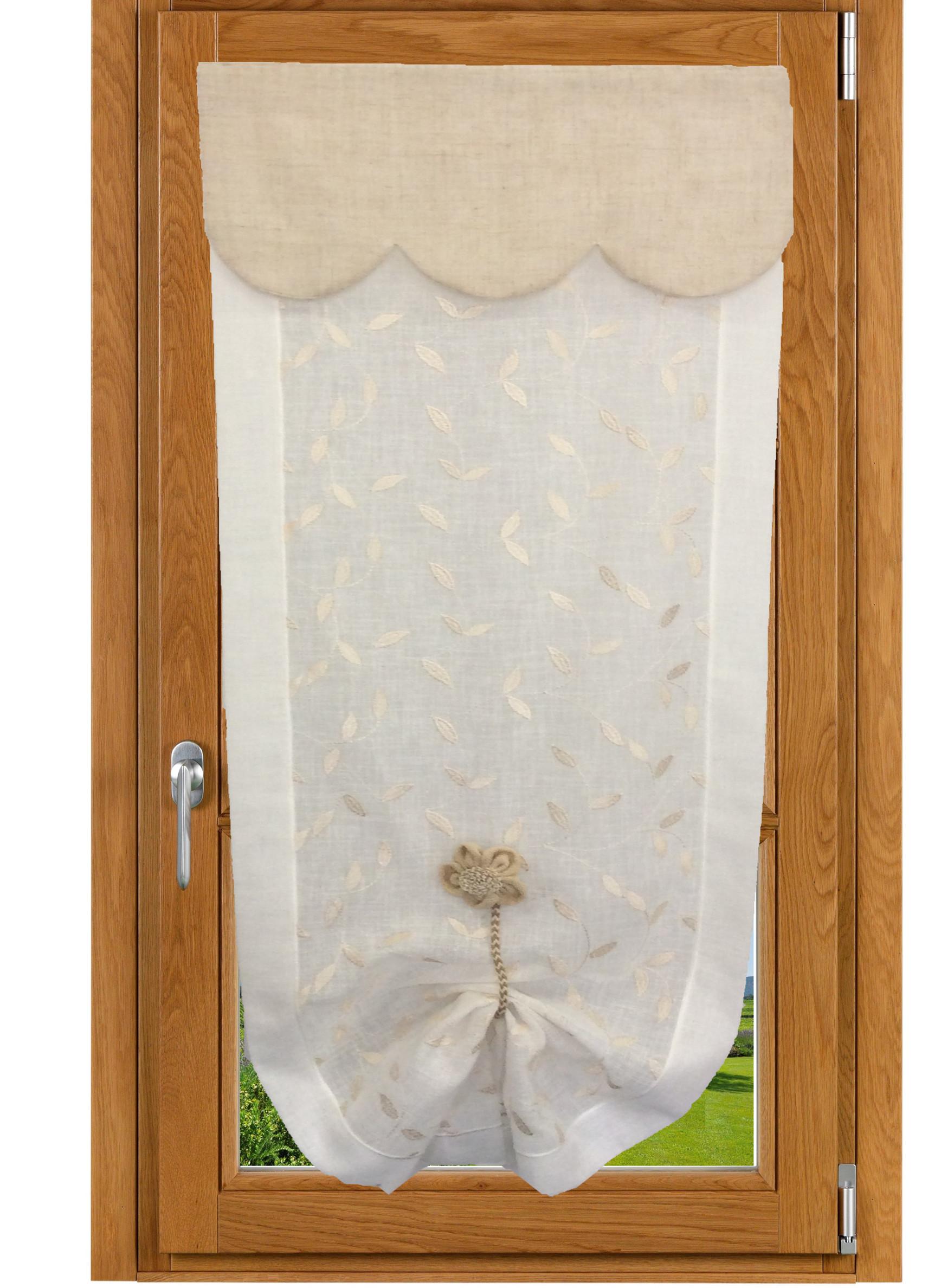 Tende a vetro ricamate con mantovana ada carmagnola for Tende corte per finestre